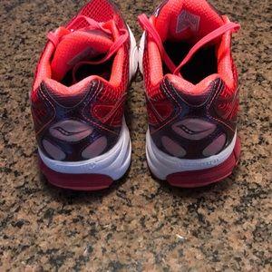 Saucony Shoes - Women's saucony ride 7 size 10.5 S10241-3